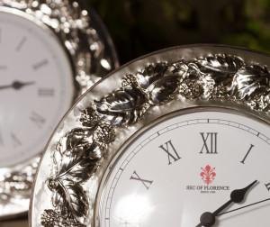 6033 dettaglio cornice orologio argento more